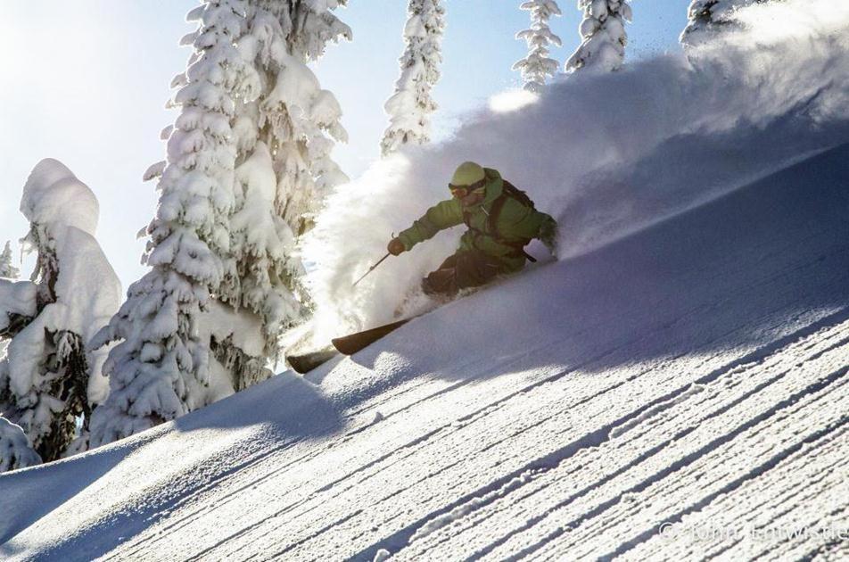 pure-powder-events-heli-skiing